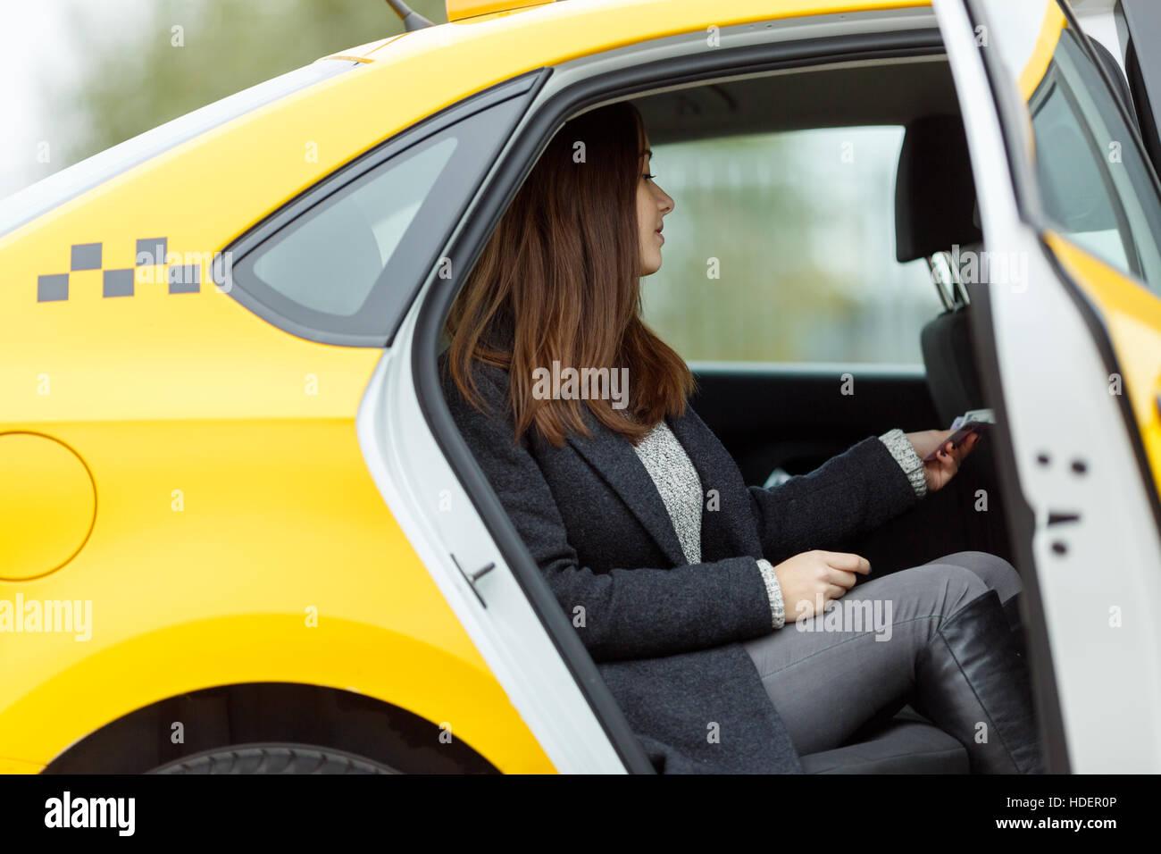 Фак такси секс, FakeTaxi - смотреть порно онлайн в HD 10 фотография