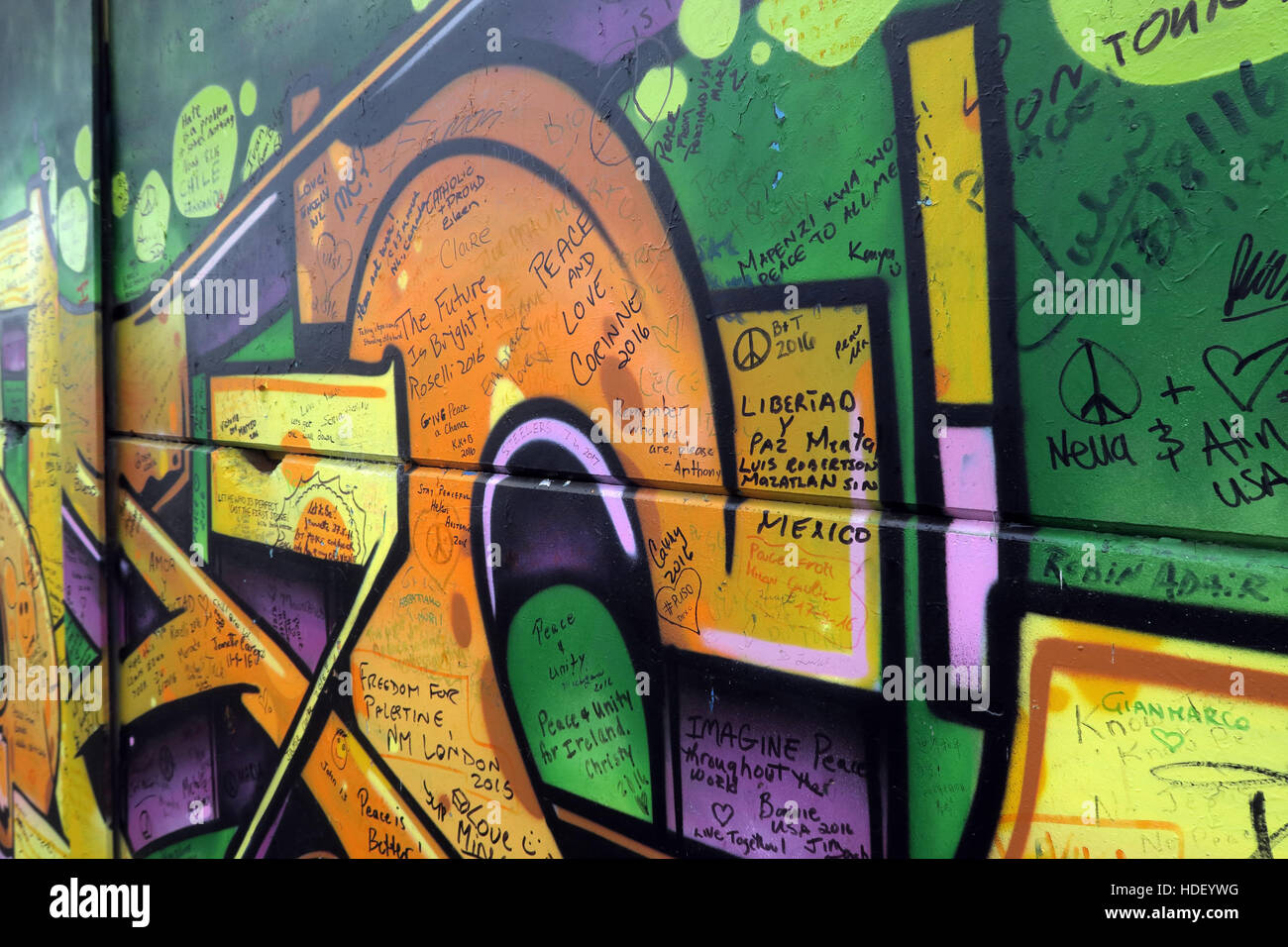 Messages of liberty - International Peace Wall,Cupar Way,West Belfast , Northern Ireland, UK - Stock Image