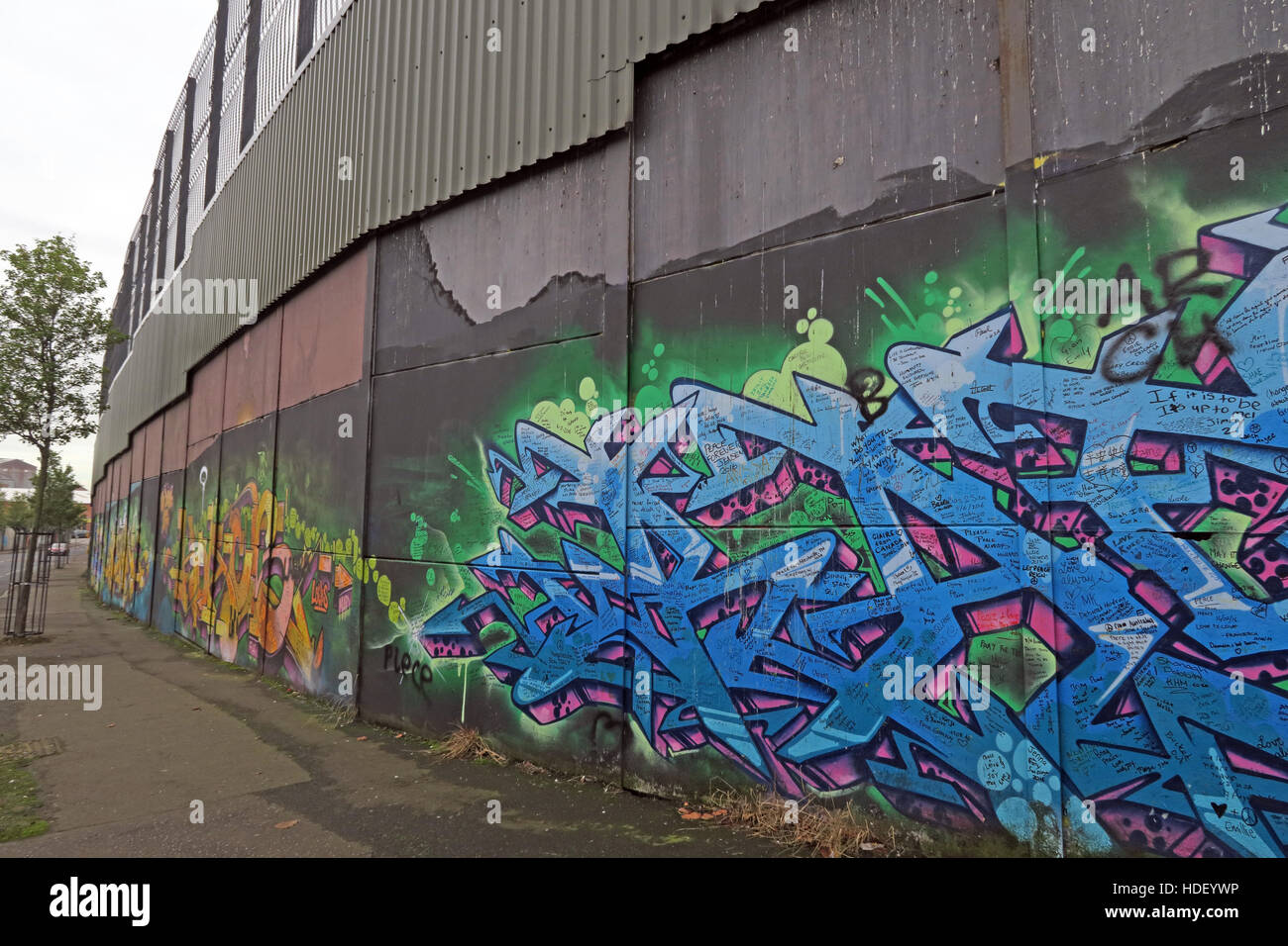 Grafitti, International Peace Wall,Cupar Way,West Belfast , Northern Ireland, UK - Stock Image