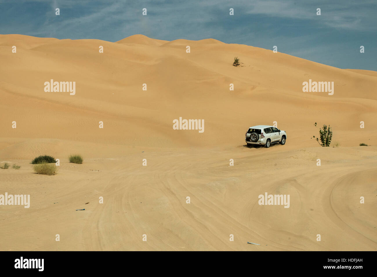 Jeeps traditional Safari Dune Bashing with tourists Oman Ubar in Desert Rub al Khali 9 - Stock Image