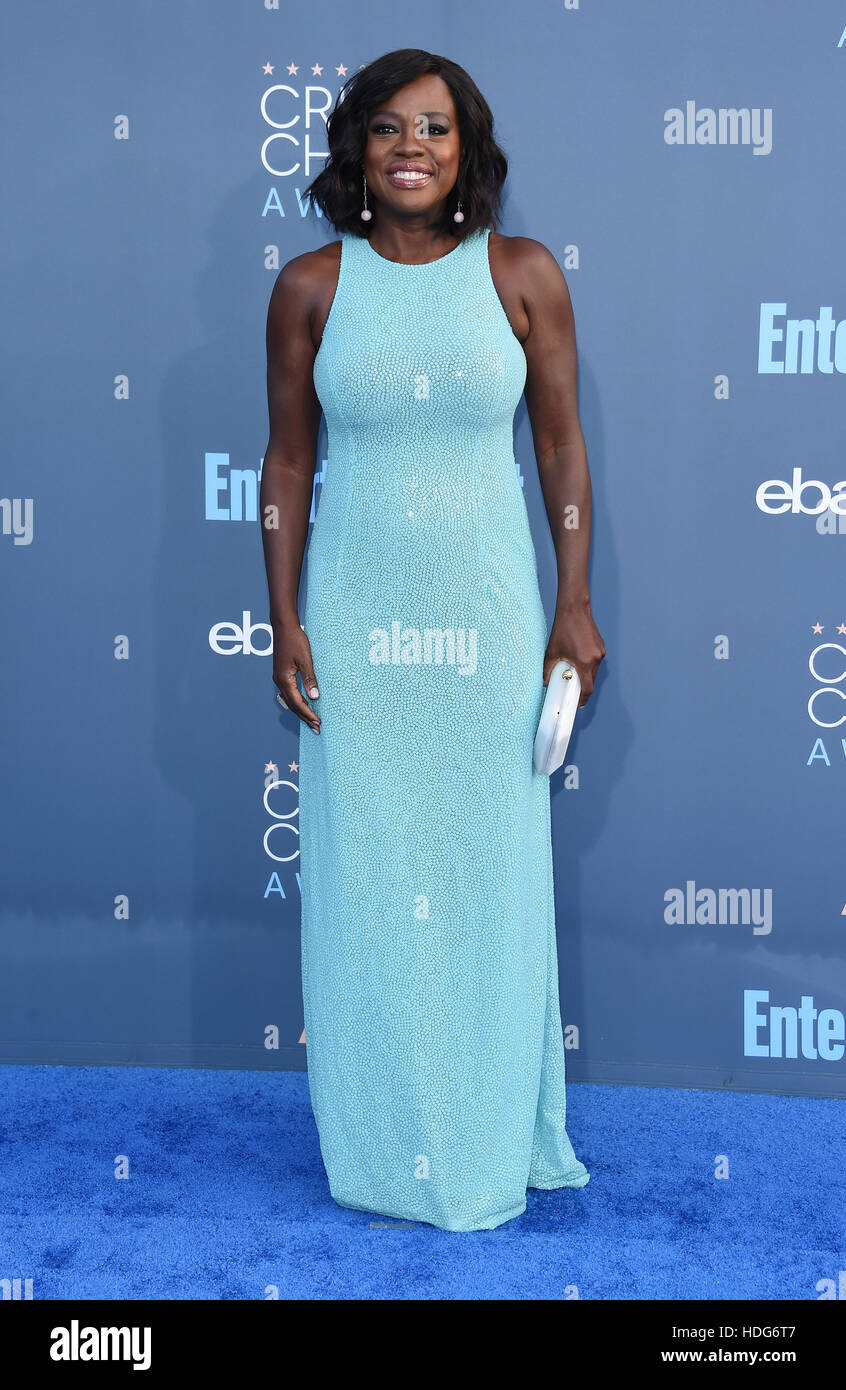 Santa Monica, California, USA. 11th Dec, 2016. Viola Davis arrives for the 22nd Annual Critics' Choice Awards - Stock Image