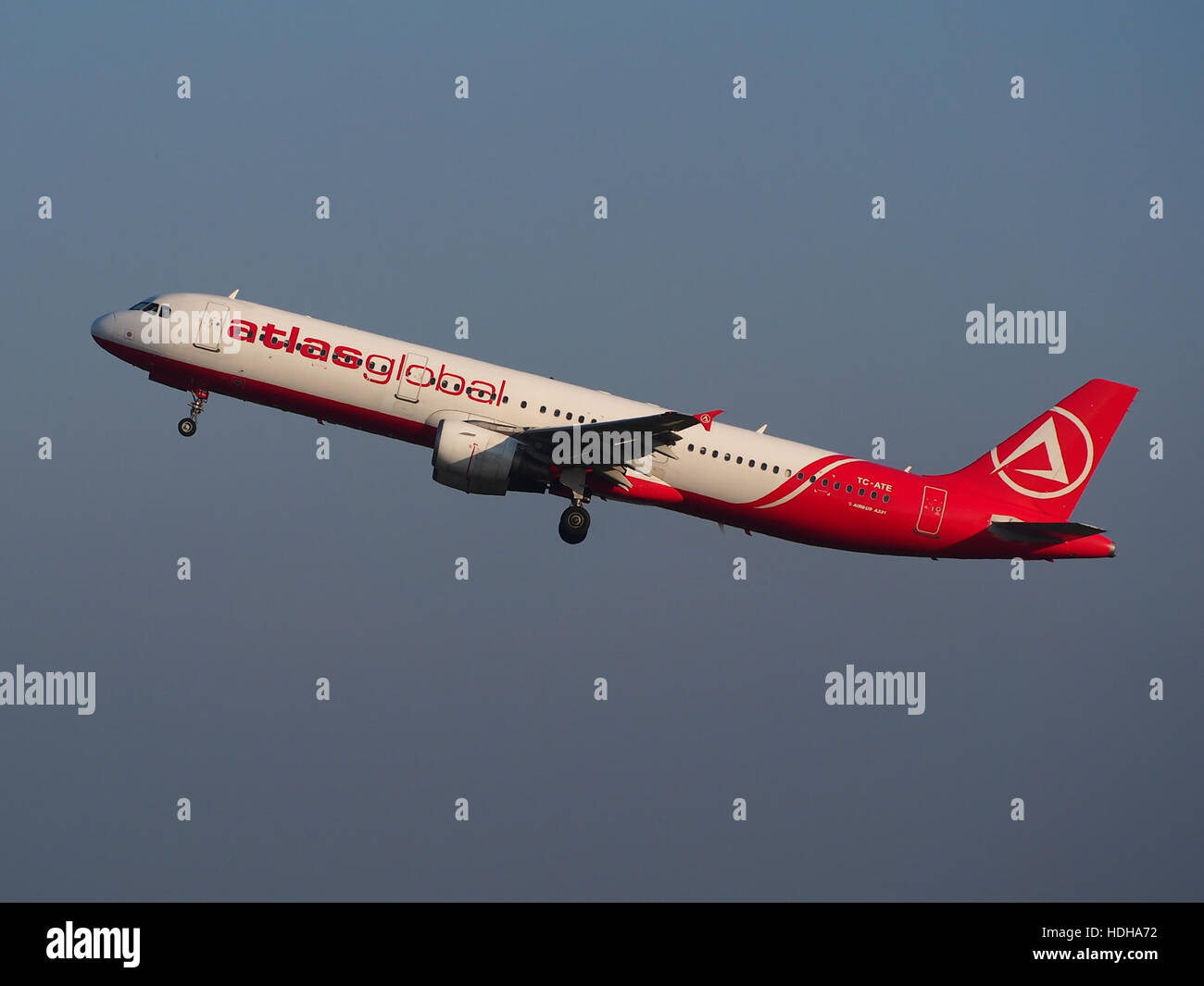 TC-ATE, Airbus A321-211, Atlasjet takeoff from Schihol runway 36C pic2 Stock Photo