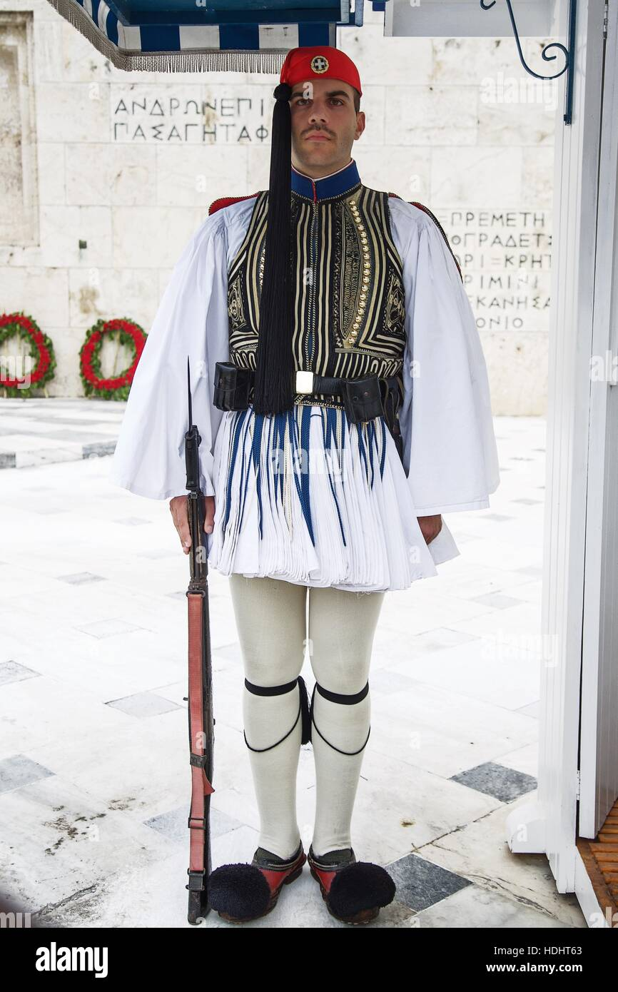 A single guard stand motionless at his post in Athens - Stock Image