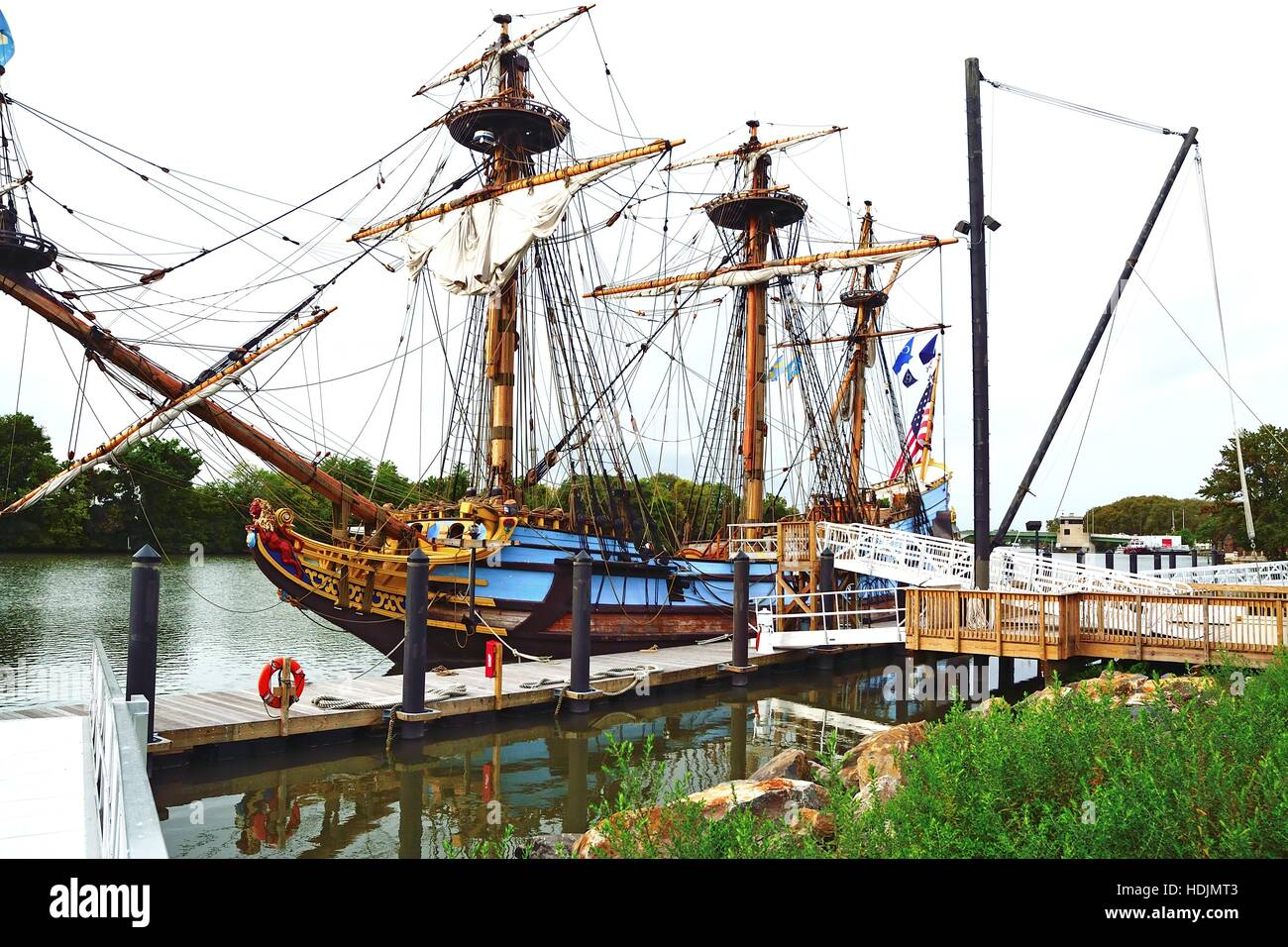 A replica of the 1638 sailing ship Kalmar Nyckel is ported on the Christina River in Wilmington, Delaware USA. - Stock Image