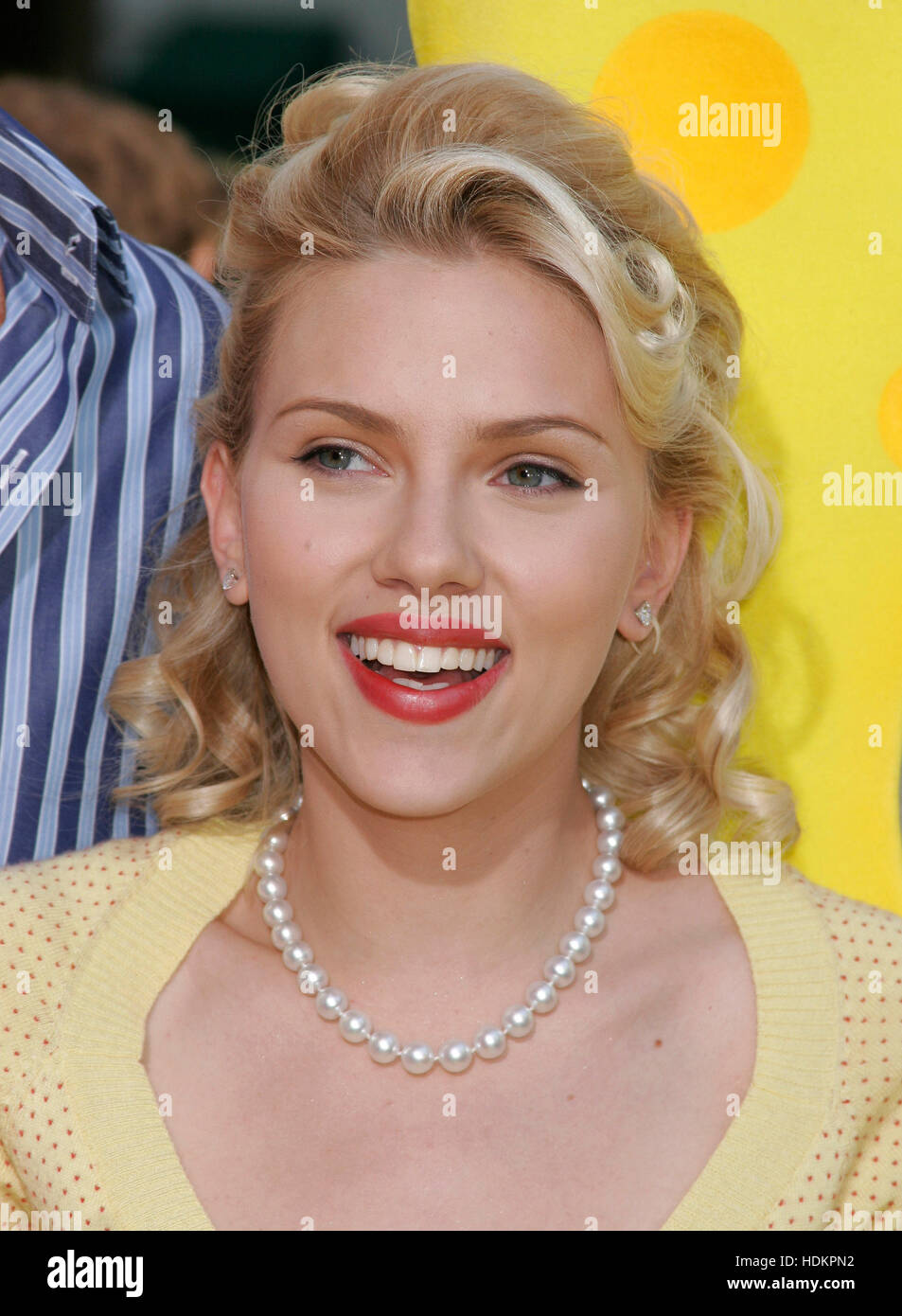 Actress Scarlett Johansson At The November 14 2004 Los Angeles Stock Photo Alamy