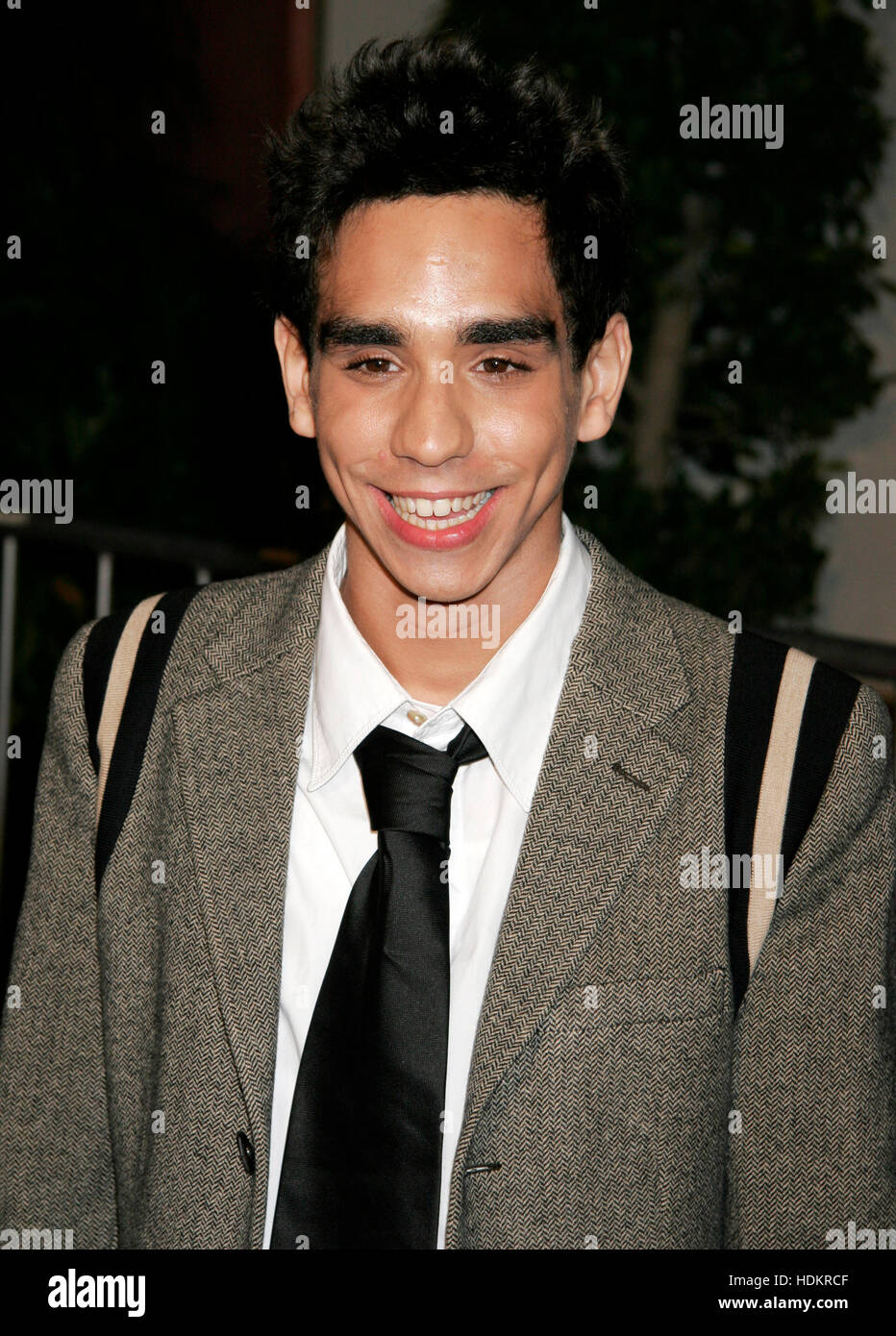 Actor Ray Santiago arrives at the December 16th, 2004 Los Angeles premiere of the film, ' Meet the Fockers'. - Stock Image