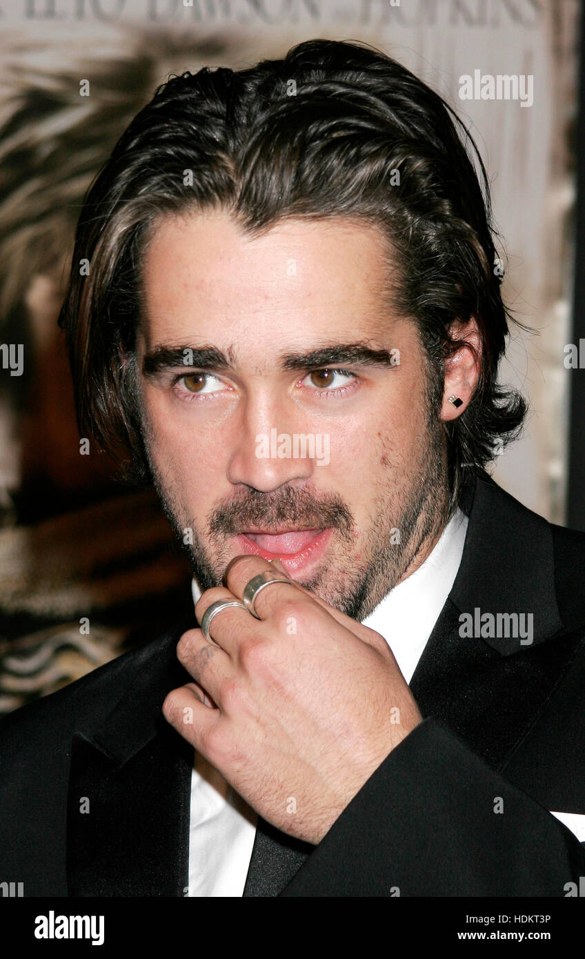 Colin Farrell At The Premiere Of The Film Alexander At Grauman S Stock Photo Alamy
