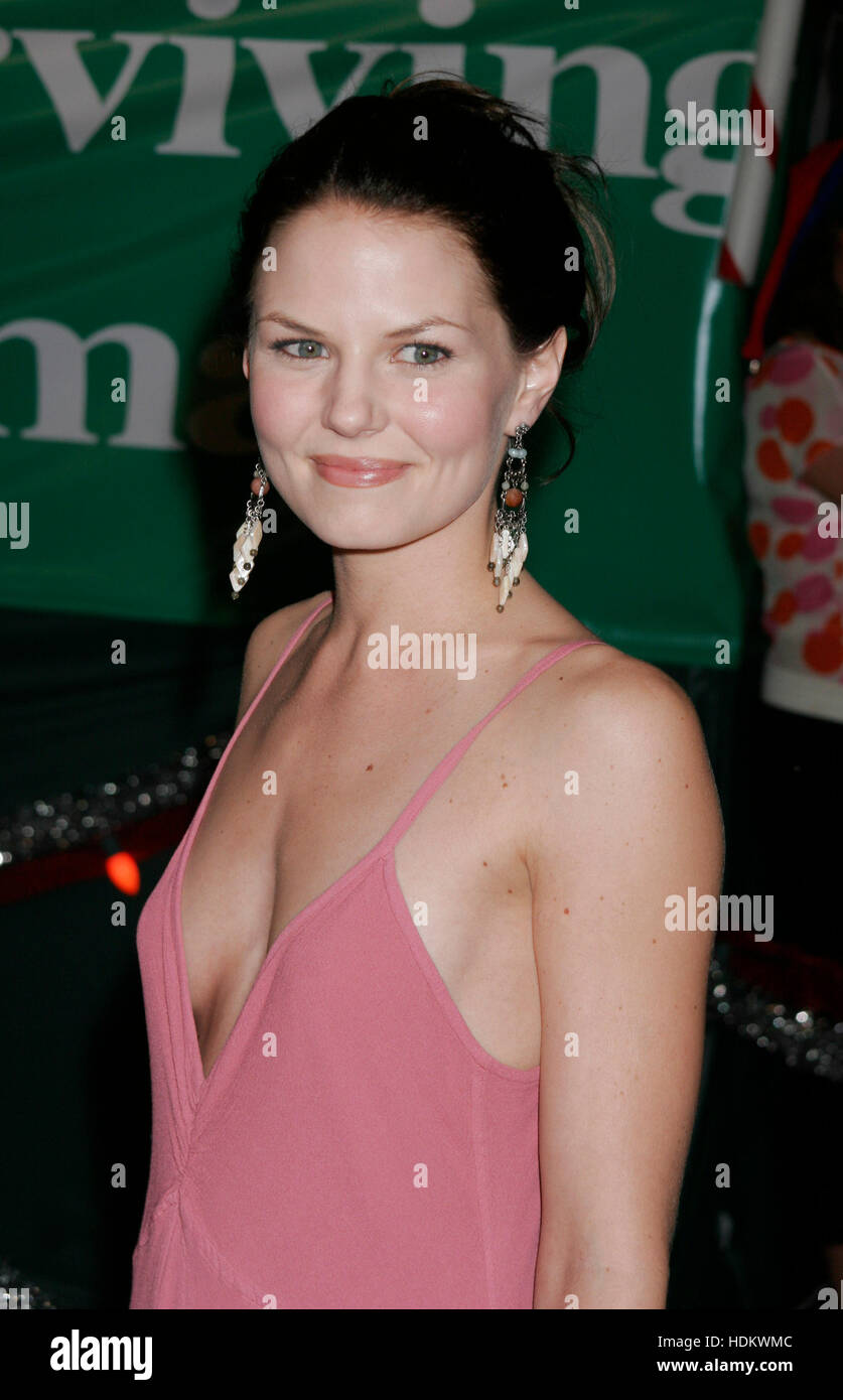 Surviving Christmas Cast.Actress Jennifer Morrison Cast Member Of The New Film