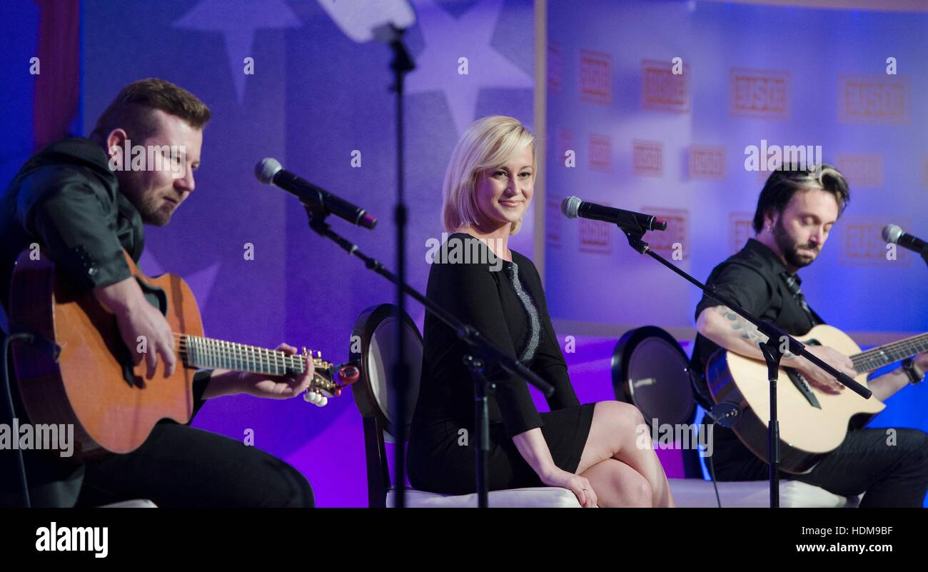Country singer Kellie Pickler performs at the USO Gala at the Washington Hilton October 17, 2014 in Washington, - Stock Image