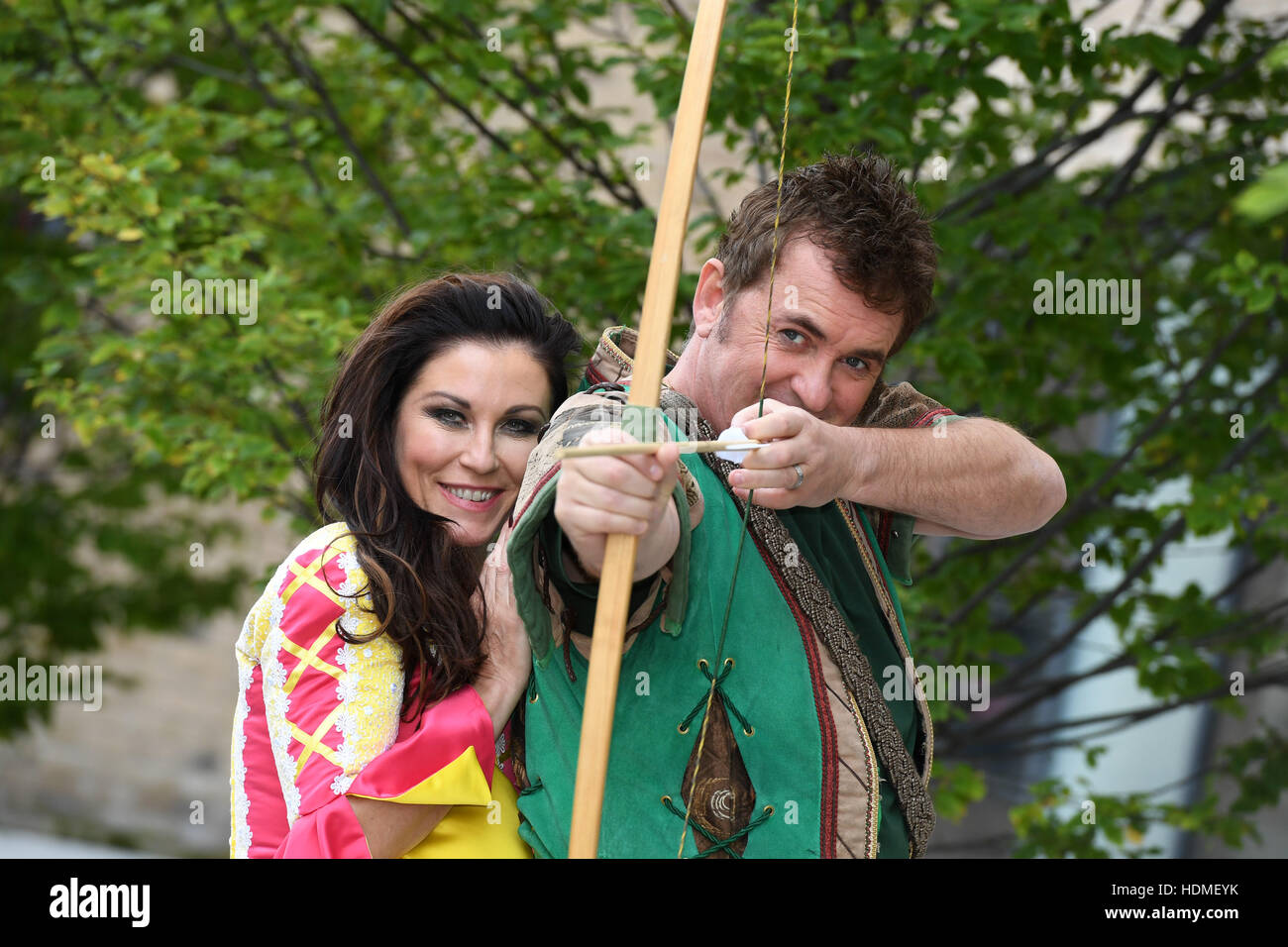 Robin Hood Panto starring Shane Richie and Jessie Wallace at the ...