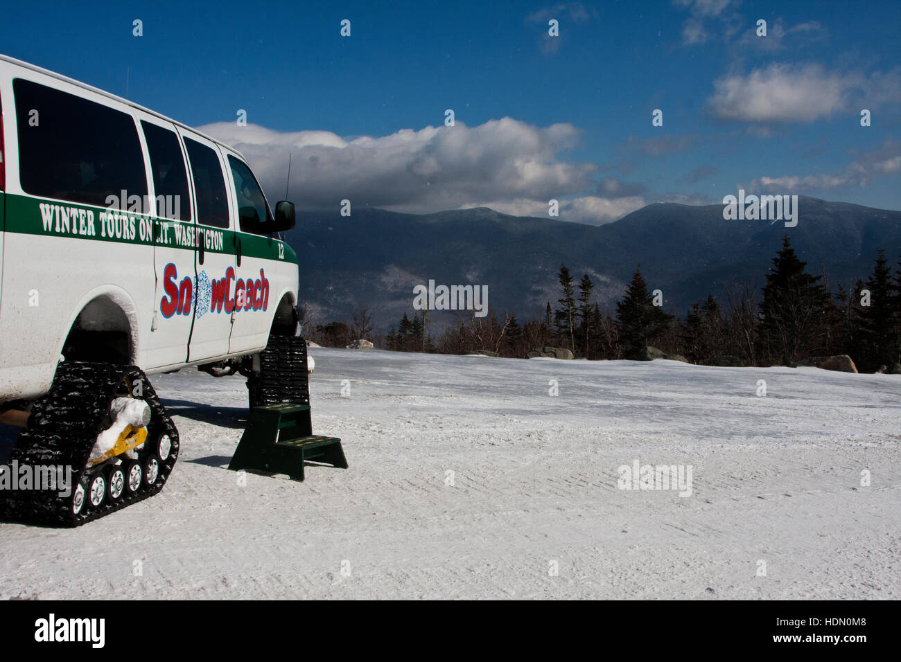 Mount Washington Valley, Pinkham Notch, New Hampshire, Great Glen Outdoor Center, the Snow Coach on the mountain - Stock Image