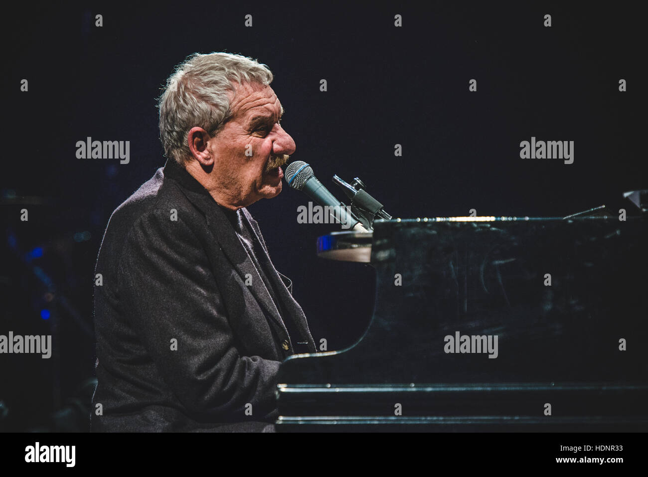 Turin, Italy. 12th Dec, 2016. Paolo Conte performing live at Teatro Regio for a charity concert in memory of Alberto Stock Photo