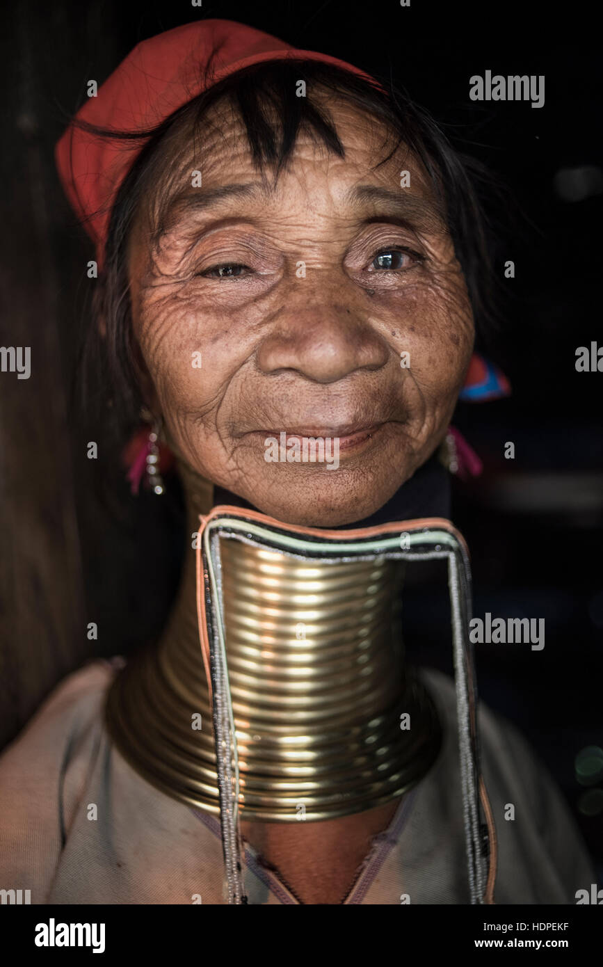 Portrait of a Kayan woman wearing the traditional brass neck rings, Loikaw, Myanmar. Stock Photo