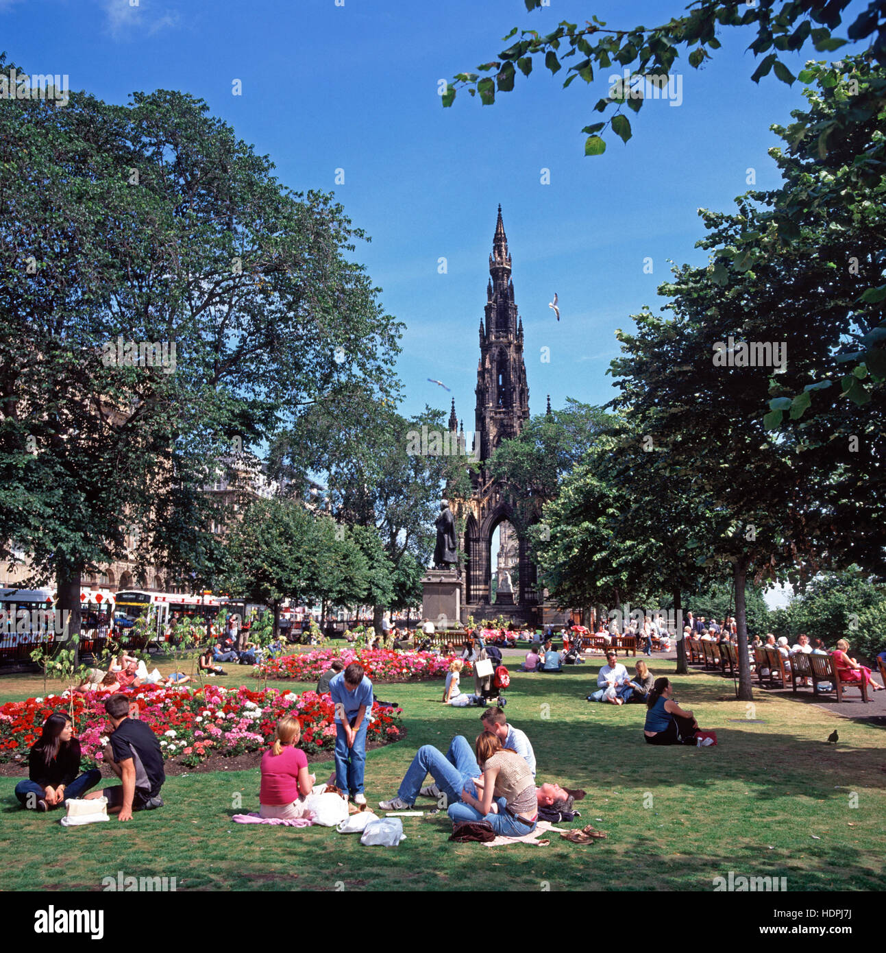 Picnickers in the Princes Street Gardens, Edinburgh, Scotland, UK - Stock Image