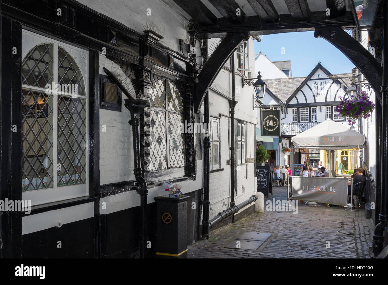 Courtyard of 16th century Ye Angel Hotel, High Street, Guildford, Surrey, England, United Kingdom - Stock Image