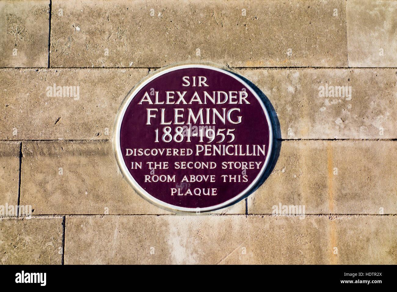 Plaque showing the site Alexander Fleming discovered penicillin. Praed Street, London, UK - Stock Image