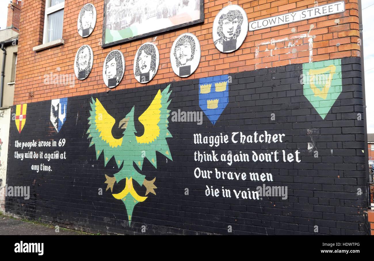Belfast Falls Rd Republican Mural- Clowney Street Maggie Thatcher think again,our brave men die in vain Stock Photo