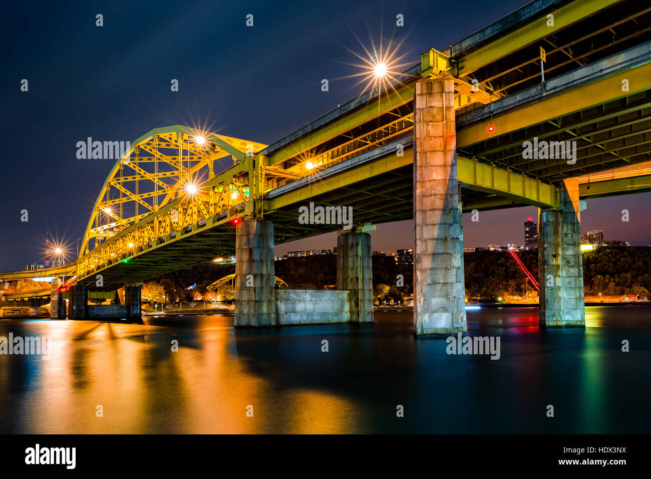 Fort Duquesne Bridge spans Allegheny river in Pittsburgh, Pennsylvania - Stock Image