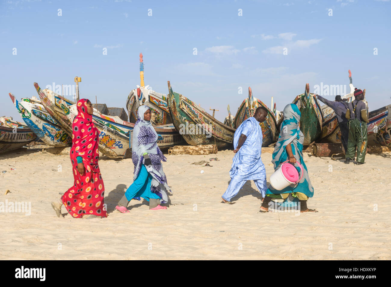 FIshermen, peddlers, boats in Nouakchott's famous fish market - Stock Image