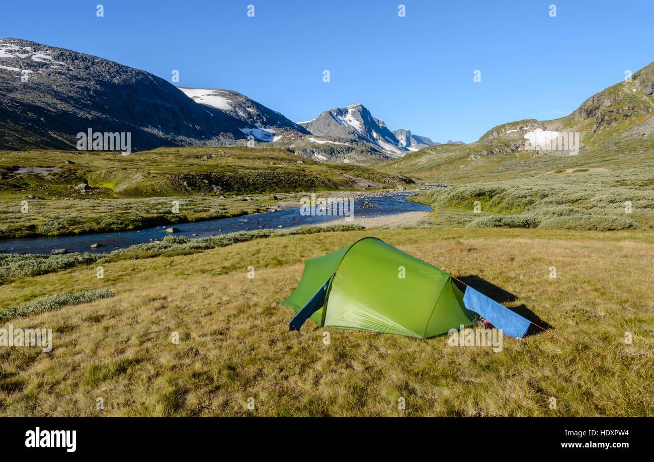 Tent in the Leirungsdalen, Jotunheimen National Park, Norway - Stock Image