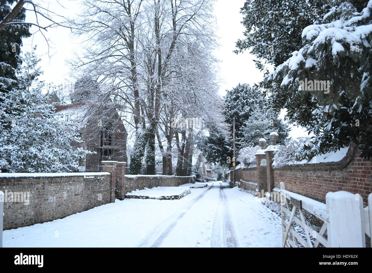 Church Lane, Princes Risborough, in snow. Buckinghamshire, Chilterns, UK - Stock Image