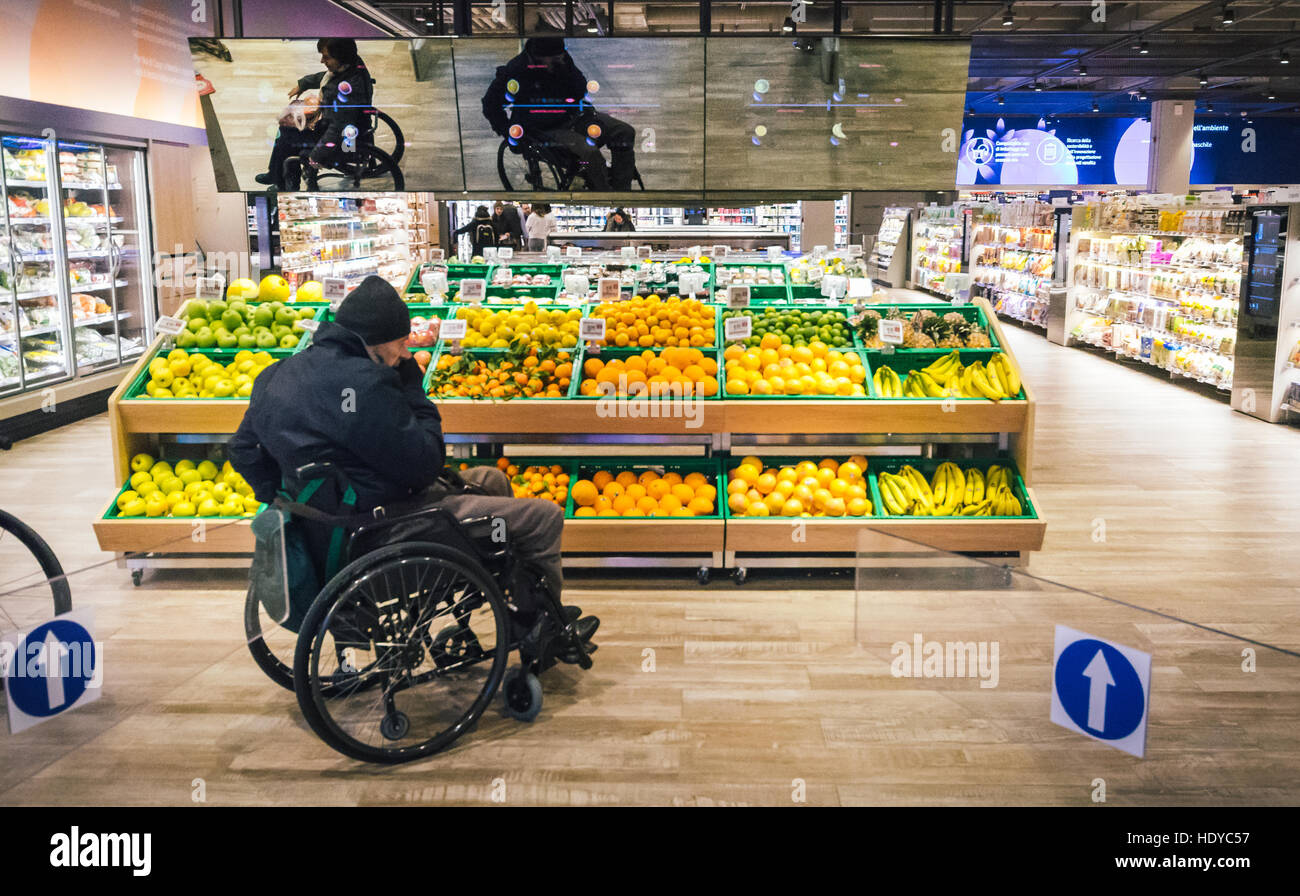 Coop Italia, Italy's largest supermarket chain, has collaborated with Accenture to reinvent the customer experience - Stock Image