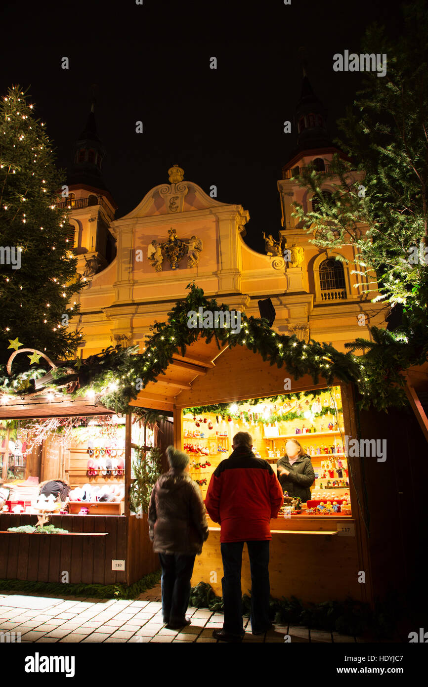 Stalls at the Baroque Christmas Market at Ludwigsburg in Stock Photo ...