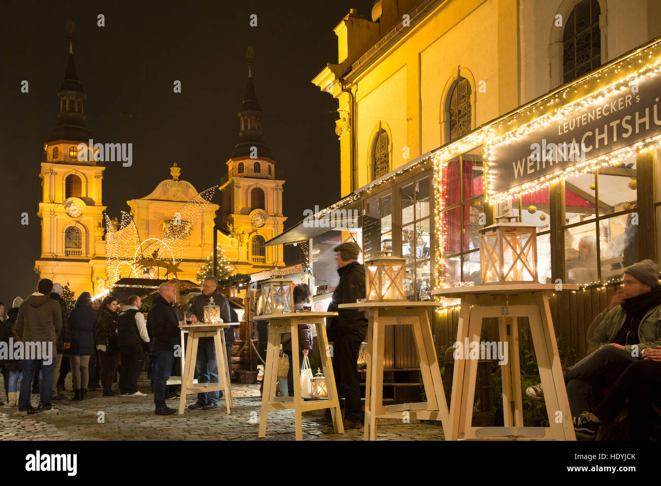 Food stalls at the Baroque Christmas Market at Ludwigsburg in Stock ...
