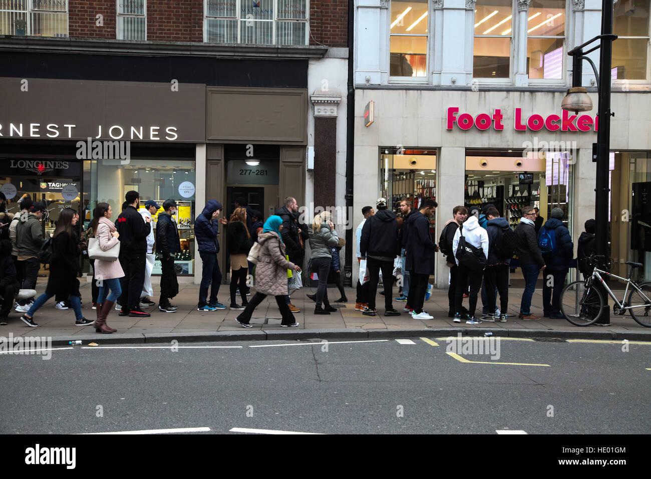 Foot Locker Store Stock Photos Amp Foot Locker Store Stock