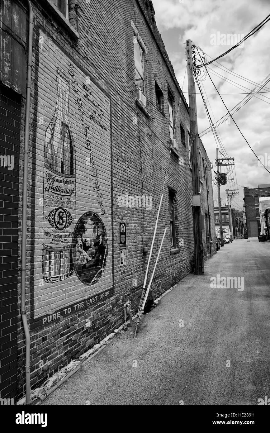 Route 66 memorabilia - wall mural at Pontiac, Livingston County, Illinois, USA. - Stock Image