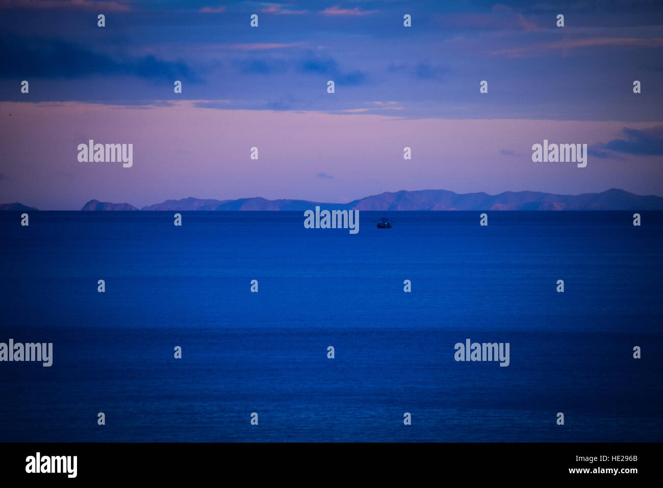 Scenery over the Pacific Ocean of Guanacaste on the horizon at dusk - Stock Image