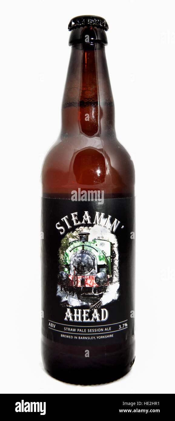 A bottle of Straw pale session ale brewed by the Acorn brewery,Barnsley,Yorkshire,England,UK - Stock Image