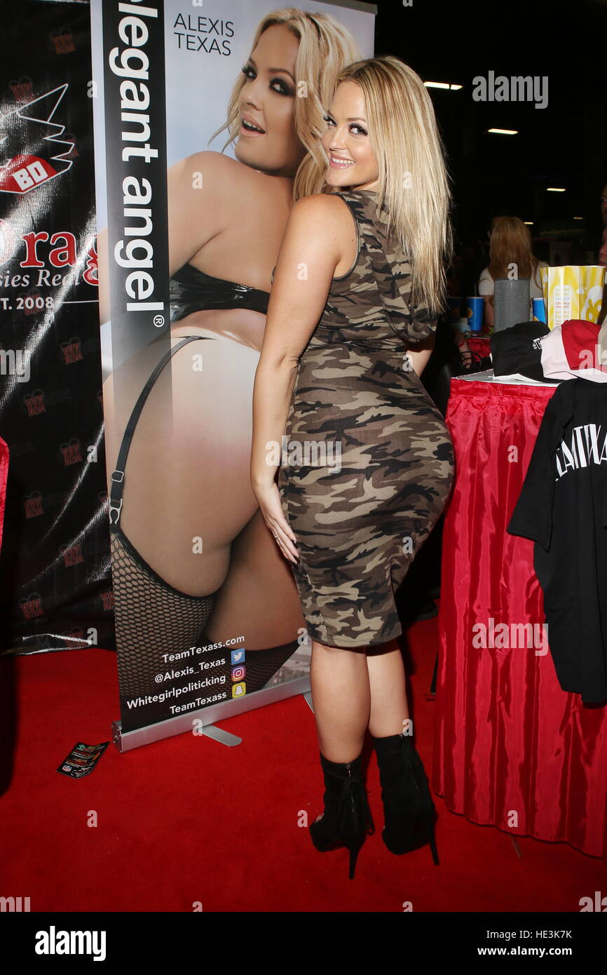Alexis Texas 2016 exxxotica expo 2016 new jersey at the new jersey convention