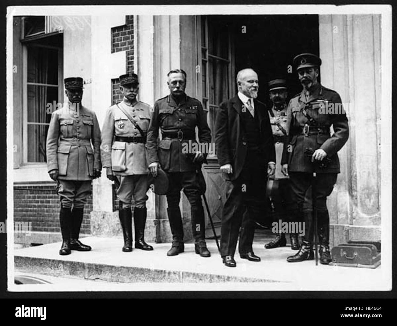 King with French President and Sir W Haig - Stock Image