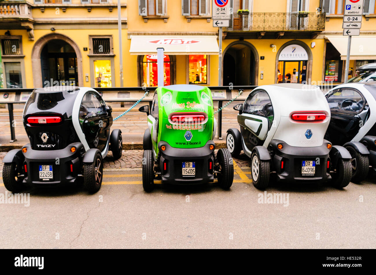 renault twizy electric car charge stock photos renault twizy electric car charge stock images. Black Bedroom Furniture Sets. Home Design Ideas
