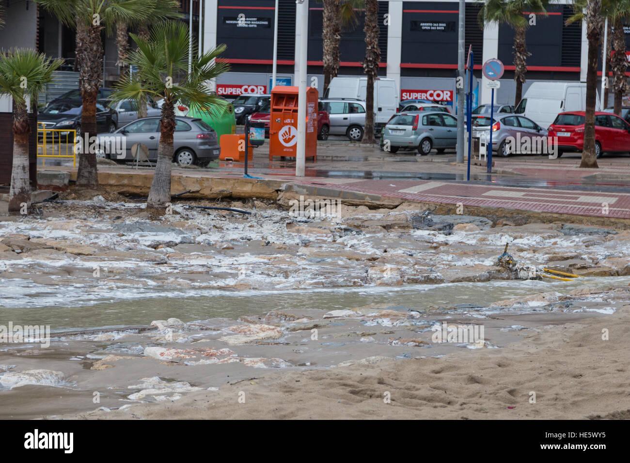 La Cala de Finestrat, Benidorm, Spain  17th December, 2016  Beach