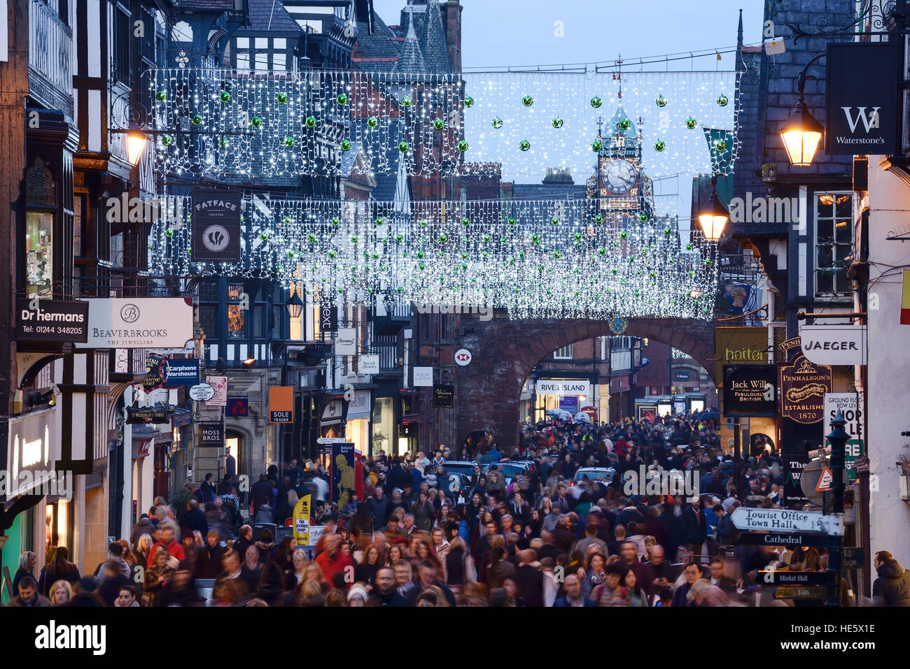 Chester, UK. 17th December 2016. Christmas shoppers filling Eastagte Street in the city centre. ©Andrew Paterson - Stock Image
