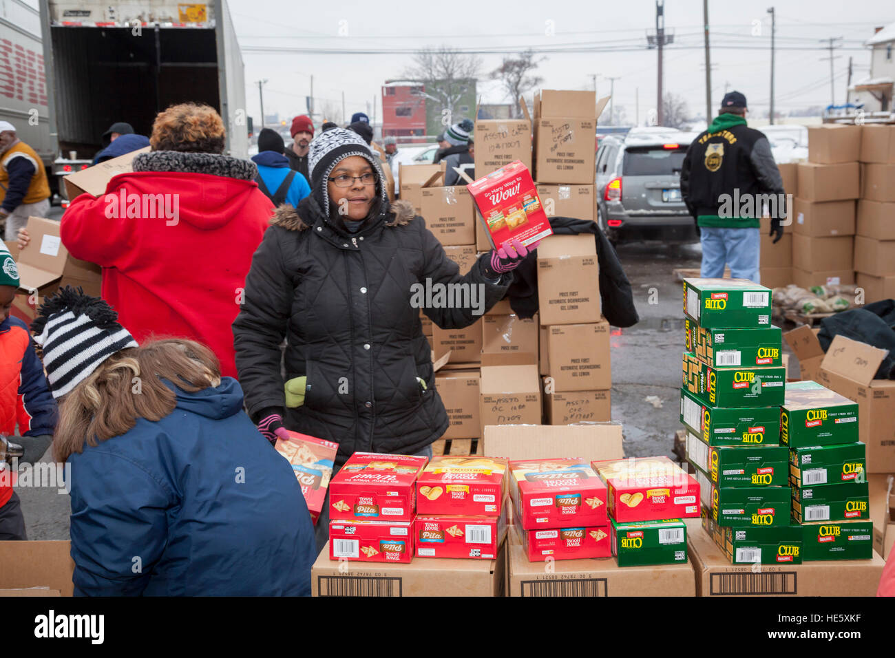 Detroit, Michigan USA - 17 December 2016 - Members of the Teamsters and AFL-CIO unions package holiday food boxes - Stock Image