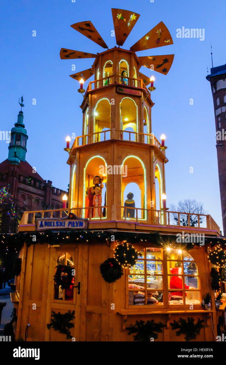 Windmill hut selling hot food at the Christmas Market, Gdansk, Poland Stock Photo