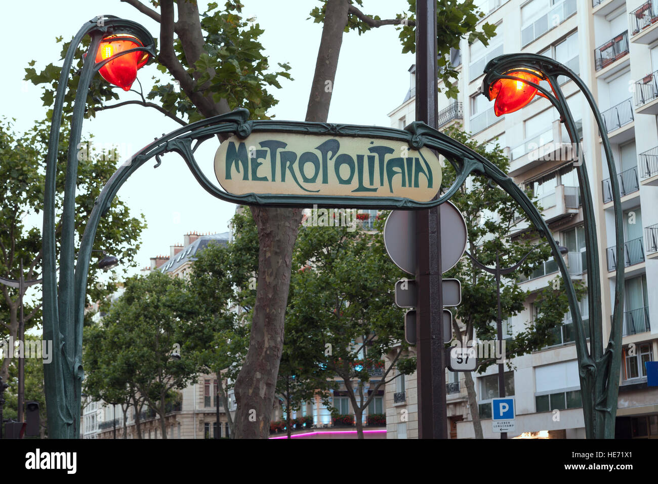 PARIS- JULY 14: Art Nouveau Metropolitan sign near Trocadero Stock ...