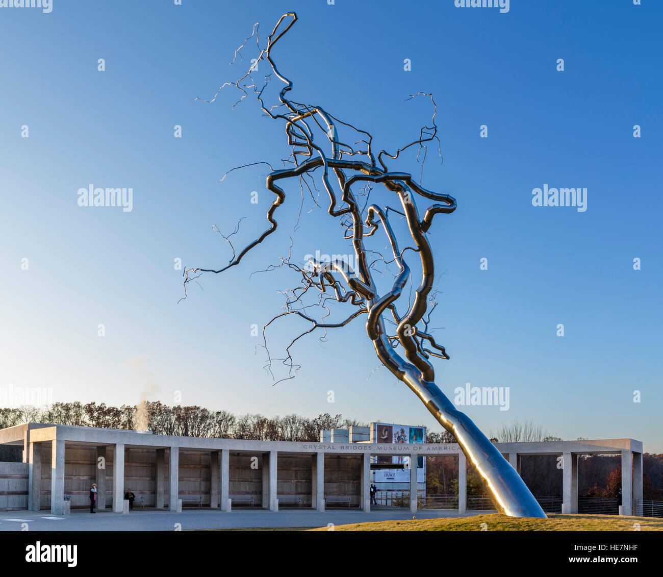 Roxy Paine's 'Yield' sculpture in front of The Crystal Bridges Museum of American Art, Bentonville, - Stock Image