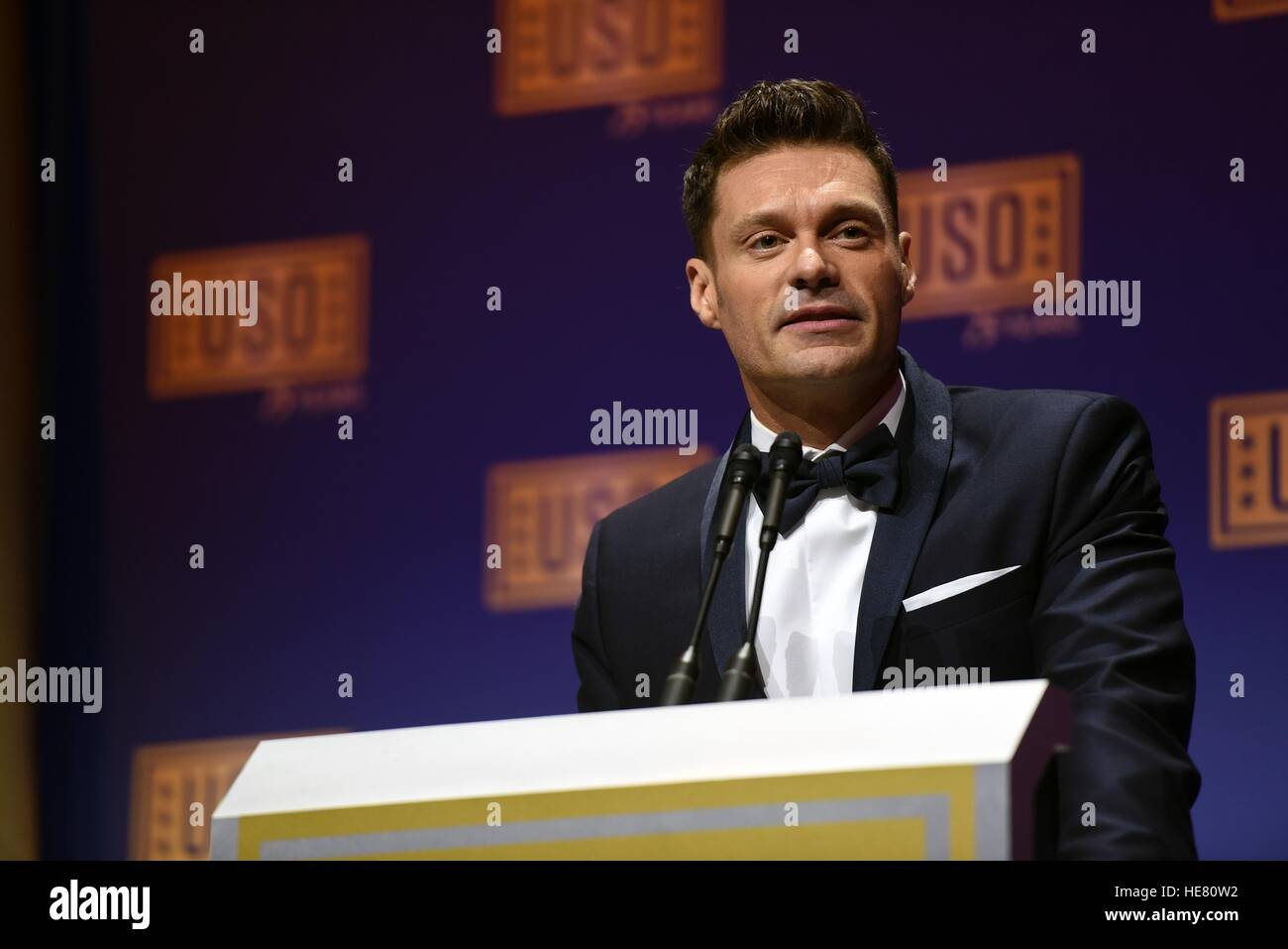 Television and radio personality Ryan Seacrest hosts the USO Gala at the Daughters of the American Revolution Constitution - Stock Image