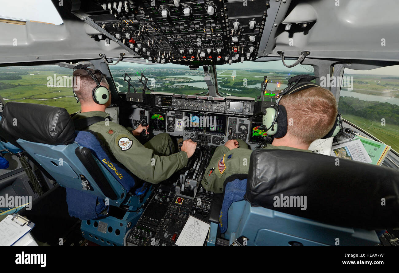 Maj. Rich Polehemus (left) and Lt. Col. Hugh Hamilton, C-17A pilots of the 326th Airlift Squadron, 512th Airlift - Stock Image