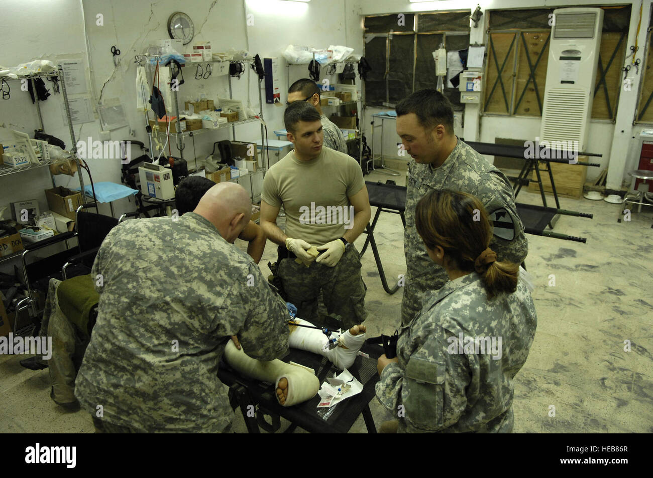 U.S. Army medics from the 6th Squadron, 9th Armored Reconnaissance Regiment, 3rd Brigade Combat Team, 1st Cavalry Stock Photo