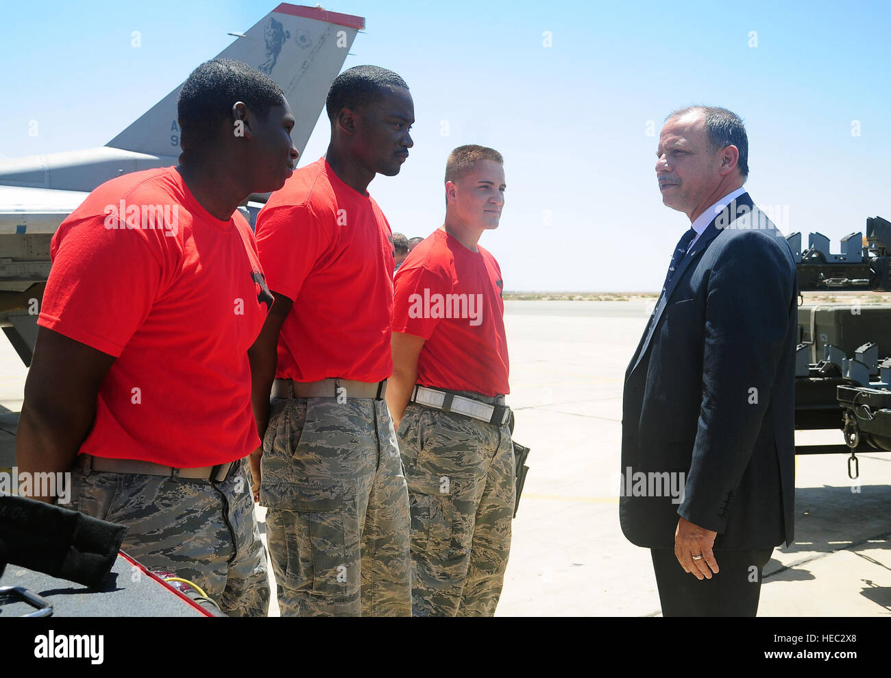His Royal Highness Prince Feisal bin al-Hussein of Jordan greets U.S. Air Force Airmen 1st Class Travis Campbell - Stock Image
