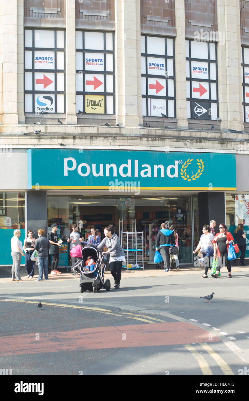 f7fceb20a178e Poundland shop in Blackpool town centre Stock Photo: 129344995 - Alamy