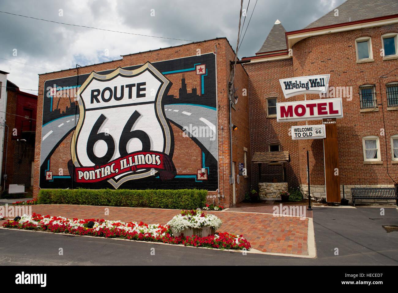 Route 66 Shield Mural, Downtown Pontiac, Livingston County, Illinois, USA. - Stock Image