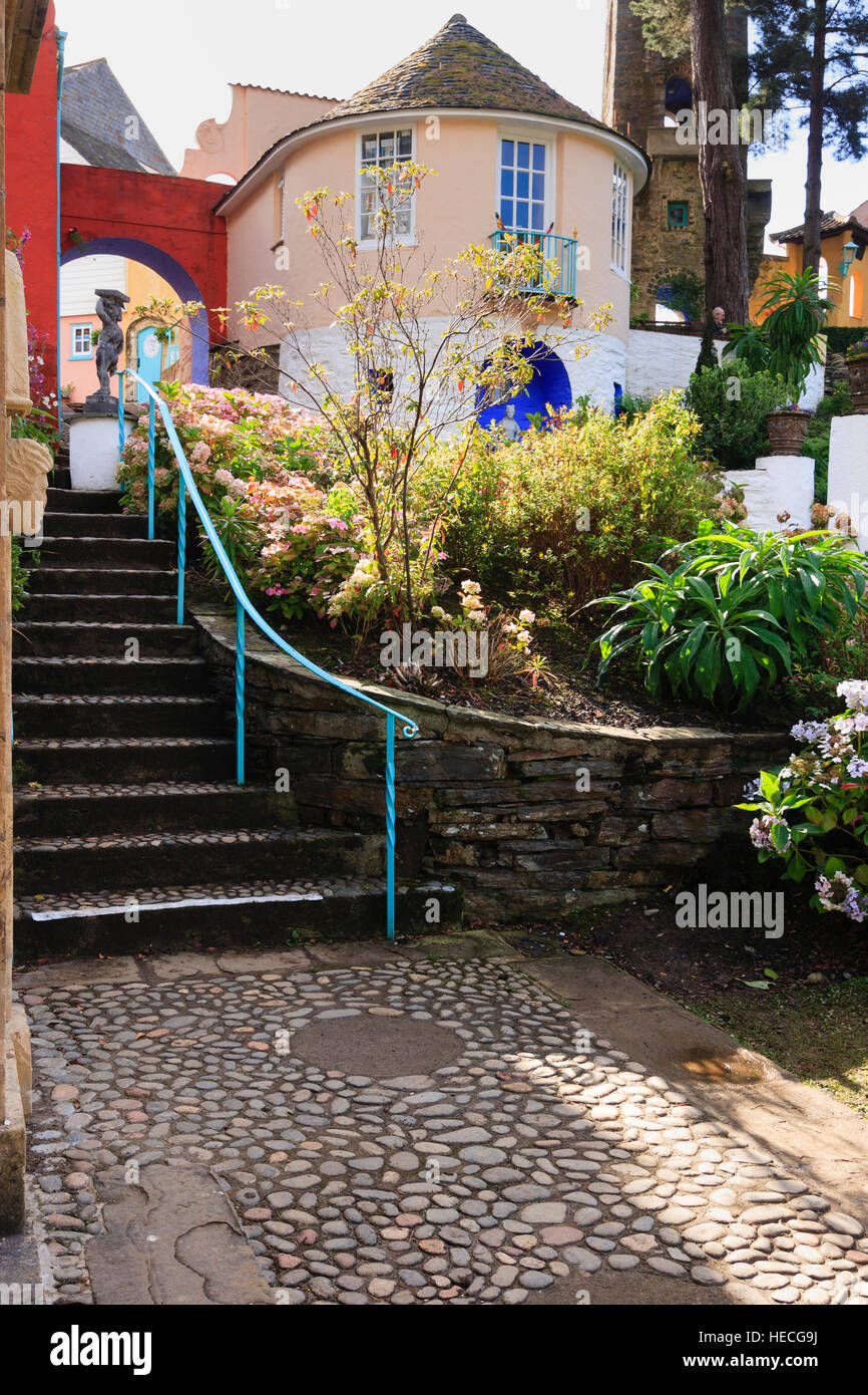 Railed steps leading up to the Round House (Prisoner 6 cottage in the TV series) at the Portmeiron Italianate village. - Stock Image