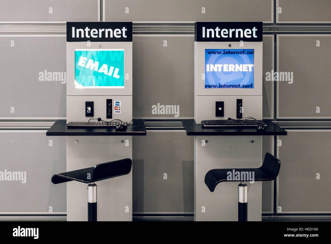 Berlin, Germany. 20th Oct, 2016. An internet machine, taken on 20.10.2016 in Berlin. Photo: picture alliance/Robert Stock Photo