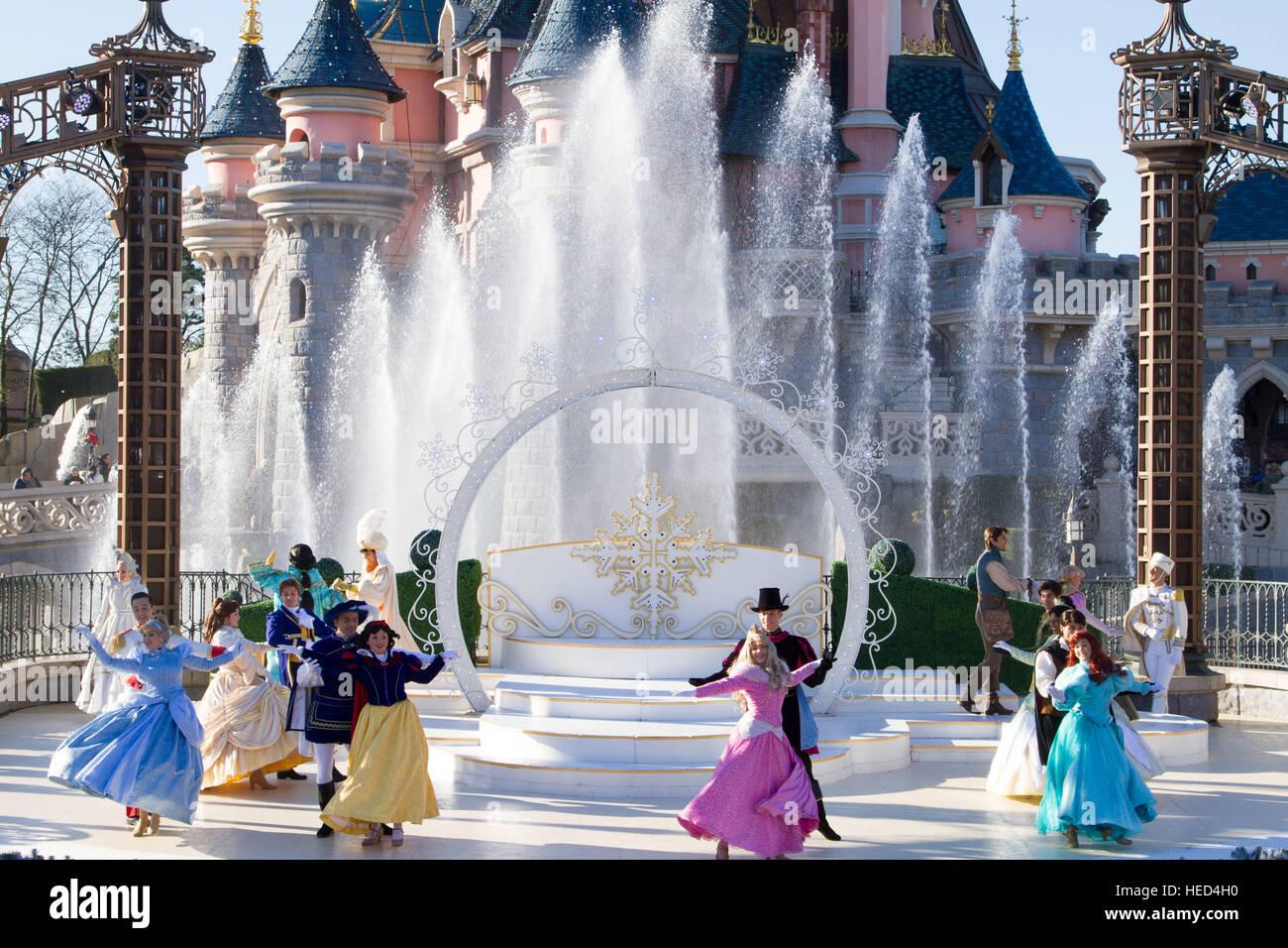 Disneyland Paris Christmas Stock Photos & Disneyland Paris Christmas ...
